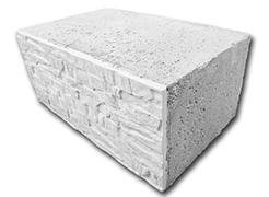 Поясной блок с фасадом, рваный камень
